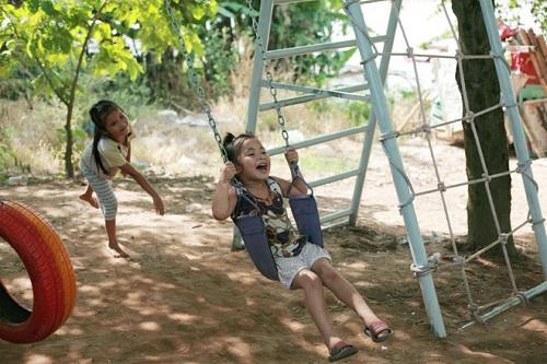 khu vui chơi trẻ em đu dây