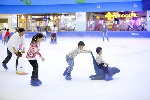 Khu vui chơi trượt băng dành cho bé