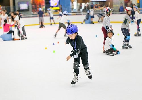 khu vui chơi trượt băng