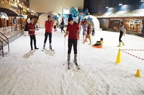 khu chơi tuyết trẻ em