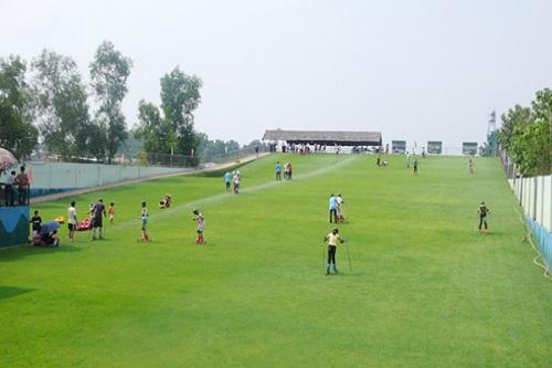 khu vui chơi giải trí trượt cỏ
