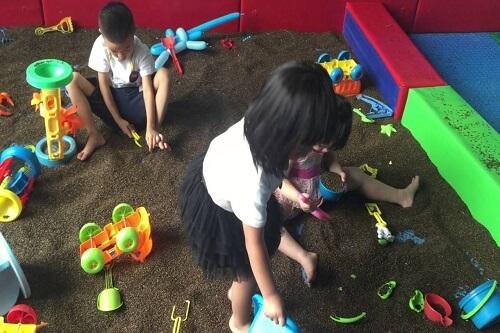 khu chơi cát dành cho bé tại nhà