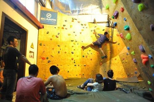 khu leo núi cho trẻ trong nhà