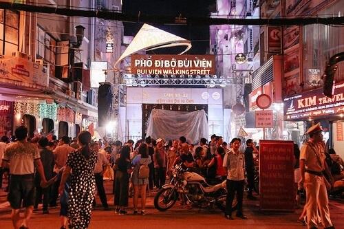 phố tây bùi viện - địa điểm vui chơi ở sài gòn về đêm