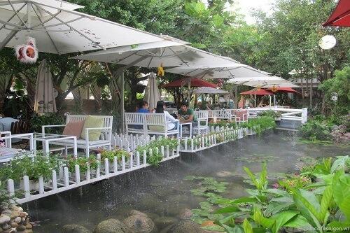 quán cafe - địa điểm vui chơi ở sài gòn vào ban ngày